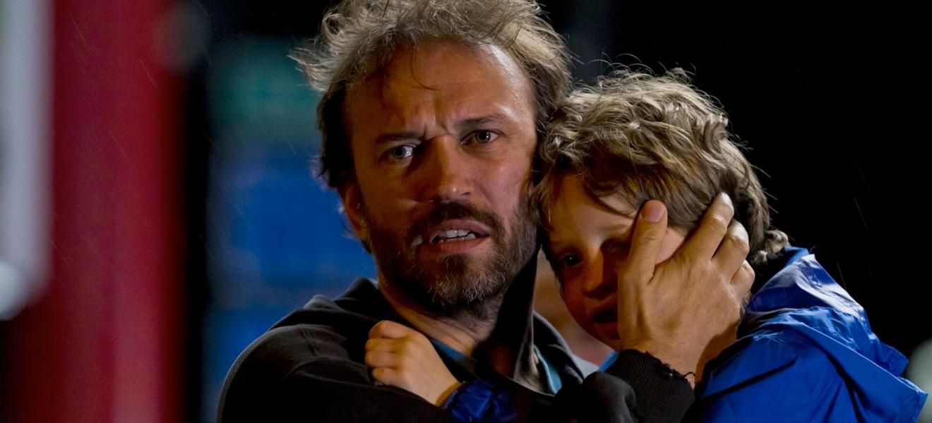 """""""Schliess die Augen, mein Sohn. Du bist noch zu jung für diesen Film!"""""""