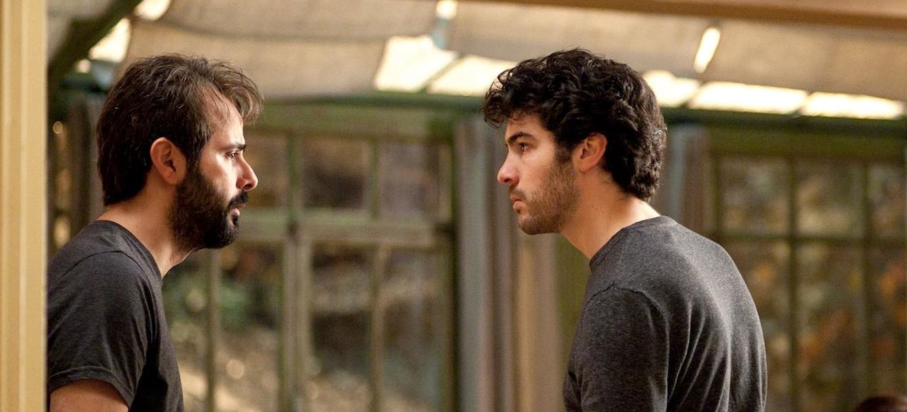Samir kochte vor Wut, als er erfuhr, dass Ahmad seinen Kleiderschrank geplündert hatte.
